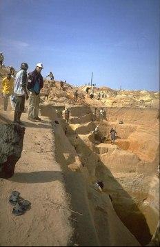 ILAKAKA MADAGASCAR, geological data and history, sapphire rush